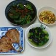 アジの干物、いり豆腐、ほうれん草のサラダ、青梗菜と海苔のスープ
