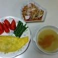 挽き肉のオムレツ、もやしとかまぼこの酢の物、さつまいものミルクスープ