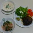 ハンバーグ(にんじんのグラッセ)、ブロッコリーのおかかあえ、豆腐のポタージュ