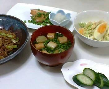 銀ダラ味醂、春雨の炒めもの、キャベツとゆで卵のサラダ、麩とわけぎの味噌汁、きゅうりの浅漬け