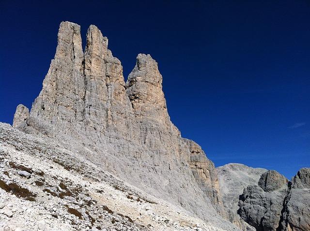 Mountain1441402_640