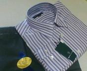 夫の誕生日にパープルのカジュアルシャツ