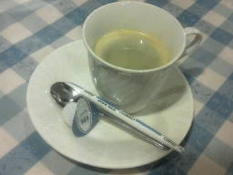 『スールヤ』で、サービスのコーヒー